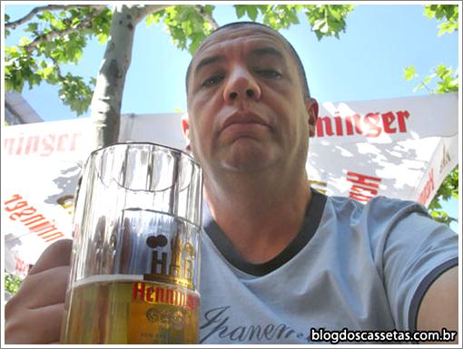 Bussunda tomando cerveja