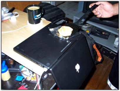 Ovo fritando em um MacBook