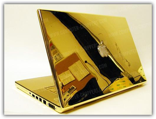 MacBook Pro de ouro e diamantes