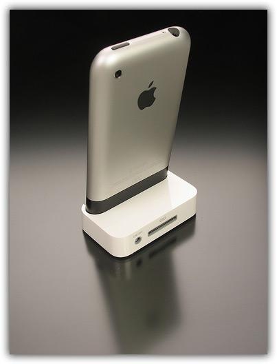 iPhone & Newton 02