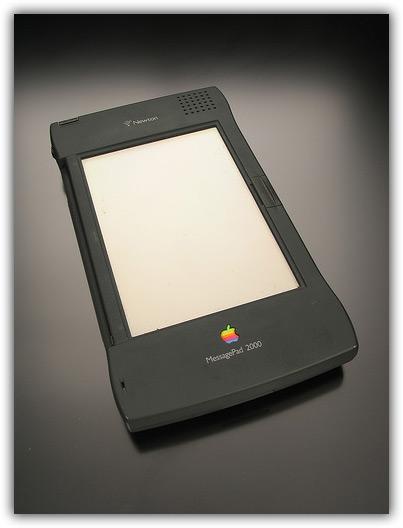 iPhone & Newton 04