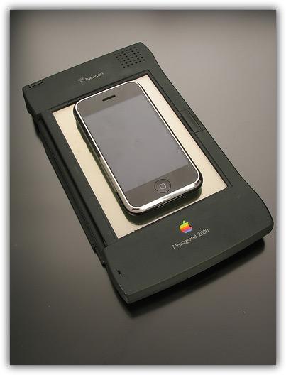 iPhone & Newton 05