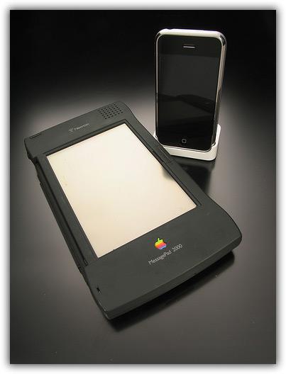 iPhone & Newton 06