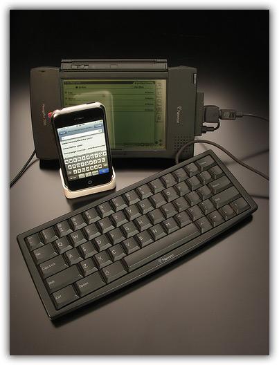 iPhone & Newton 07