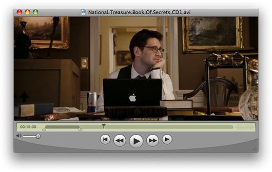 """MacBook preto no filme \""""A Lenda do Tesouro Perdido\"""""""