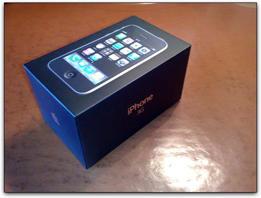 Primeiro iPhone 3G aberto em Portugal