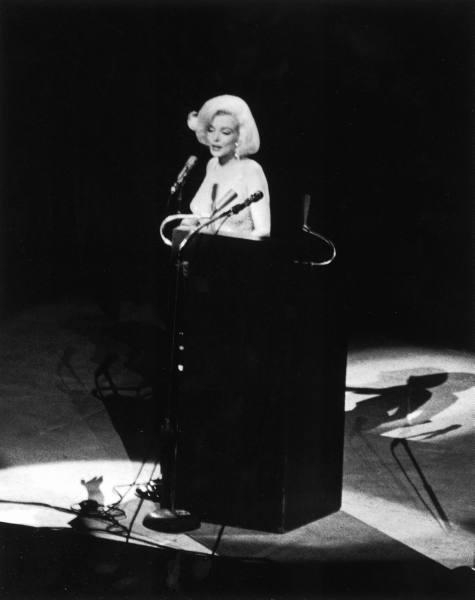 "Marilyn Monroe cantando aquele famoso ""Happy Birthday, mr. president"", lembrou?"