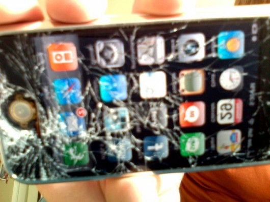 18-broken-iphone