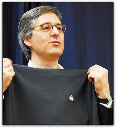 Dan Lyons e camiseta da Apple