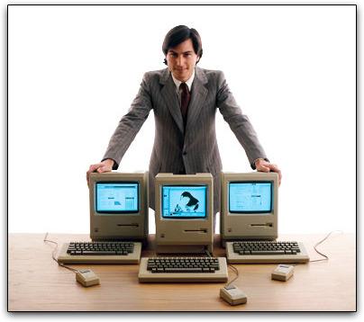 Steve Jobs com Macs - 54 anos