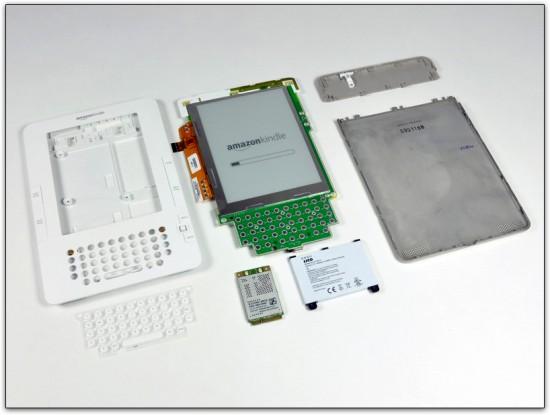 Kindle 2 aberto pelo iFixit