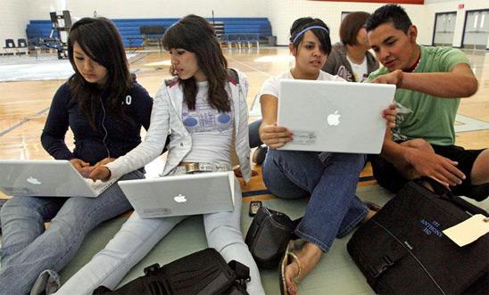 MacBooks em escola