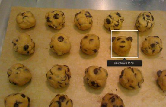 iPhoto acha rosto em biscoito
