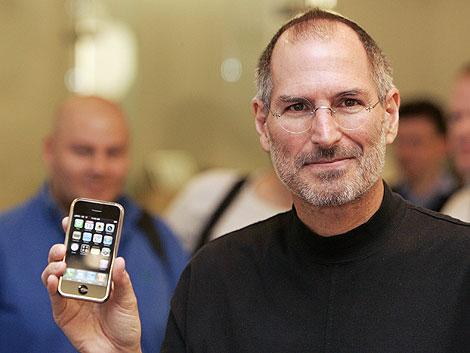 Steve Jobs com iPhone