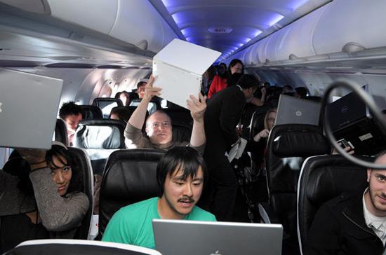 Blogueiros e jornalistas norte-americanos foram convidados pela Virgin America para testar o serviço há alguns meses.