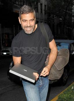 George Clooney e MacBook Pro