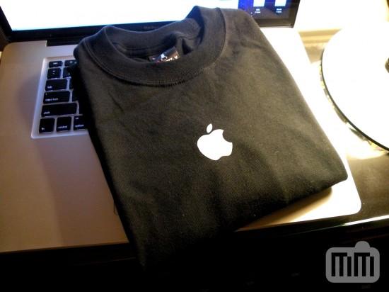 Camiseta oficial da Apple