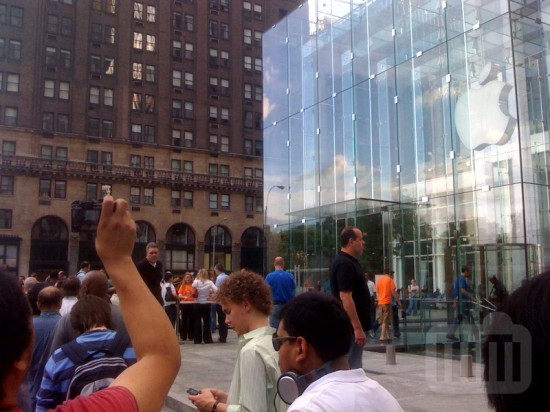 Apple Store NYC iPhone 3G S