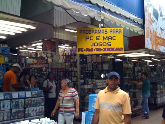 Mac é Pop na Feira do Paraguai