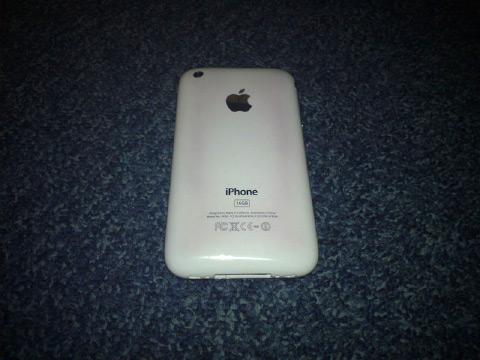iPhone 3GS queimado por superaquecimento