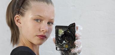 Menina que viu seu iPod touch explodindo