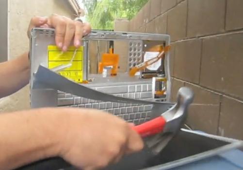 Ice-T destroi PowerBook