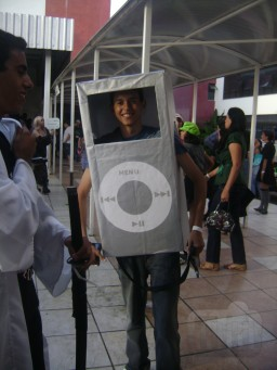 Mac é Pop cosplay iPod nano