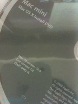 DVD do Snow Leopard com Mac mini