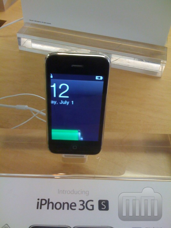 iPhone FAIL Apple Store