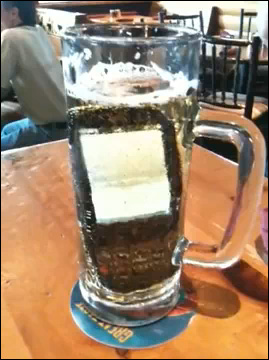 Palm Pre afogado em cerveja