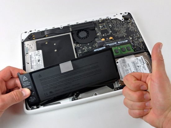 MacBook desmontado no iFixit