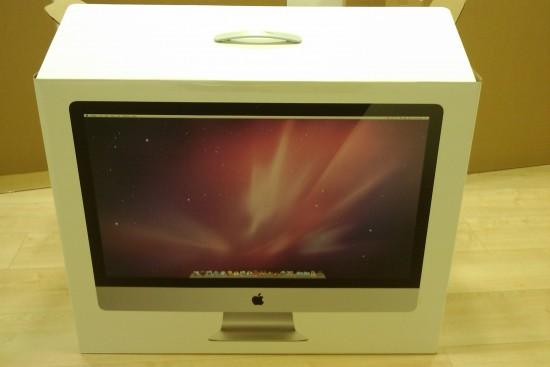 iMac na caixa