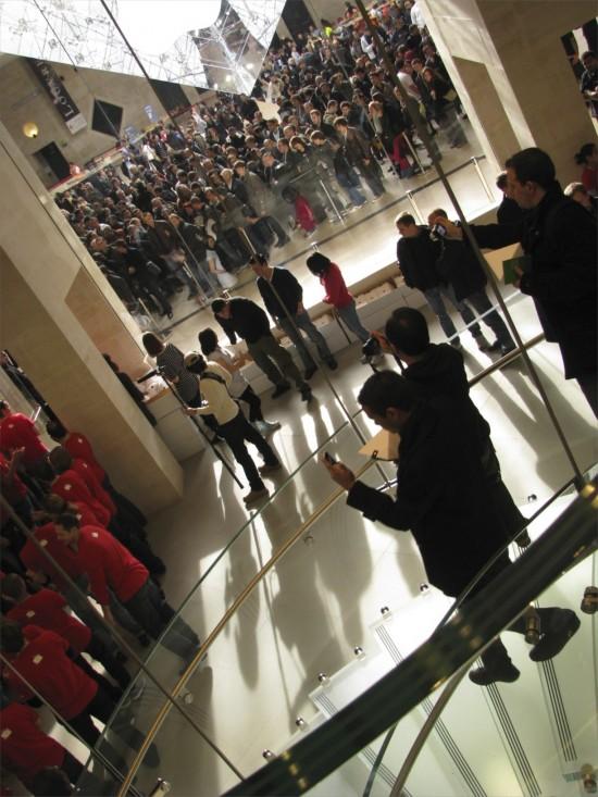 Inauguração da Apple Store Carrousel du Louvre