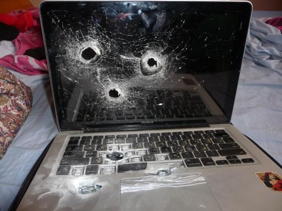 MacBook metralhado em Israel