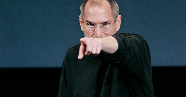 Steve Jobs apontando o dedo