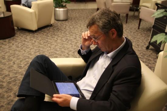 Primeiro-ministro norueguês com iPad