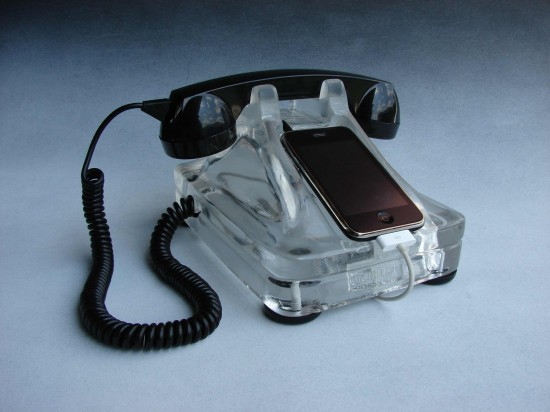 Dock iRetrofone com iPhone