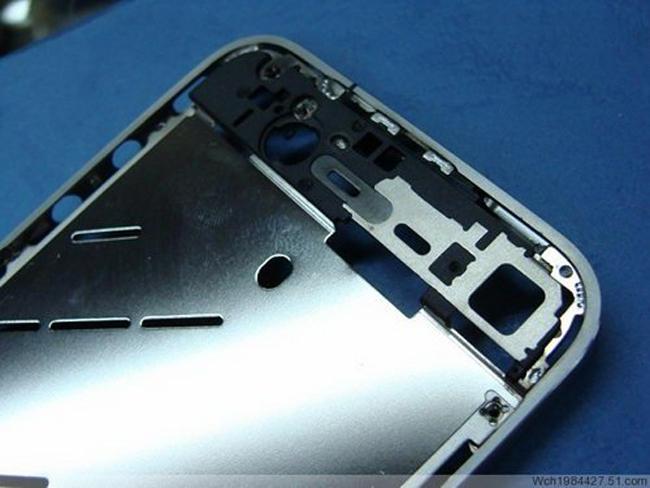 Estrutura metálica do iPhone 4G