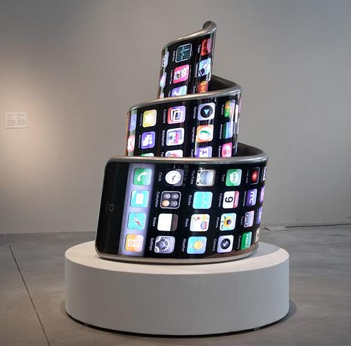 iPhone 3G como Monumento de Tatlin