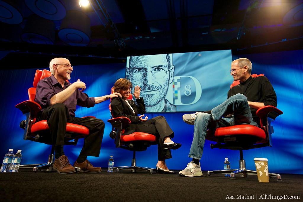 Walt Mossberg, Kara Swisher e Steve Jobs na D8