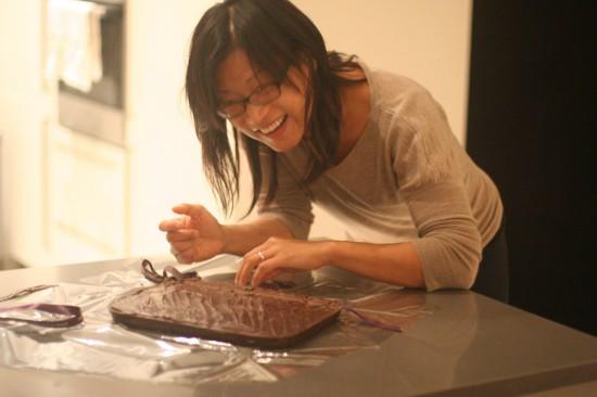 iPad enrolado em chocolate