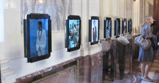 iPads em exposição da Dolce & Gabbana
