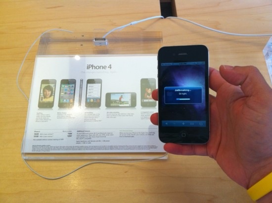 iPhone 4 com jailbreak em Apple Retail Store