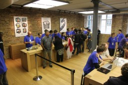 Apple Store, Covent Garden — Pacotes