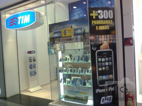 Loja da TIM oferecendo apps piratas