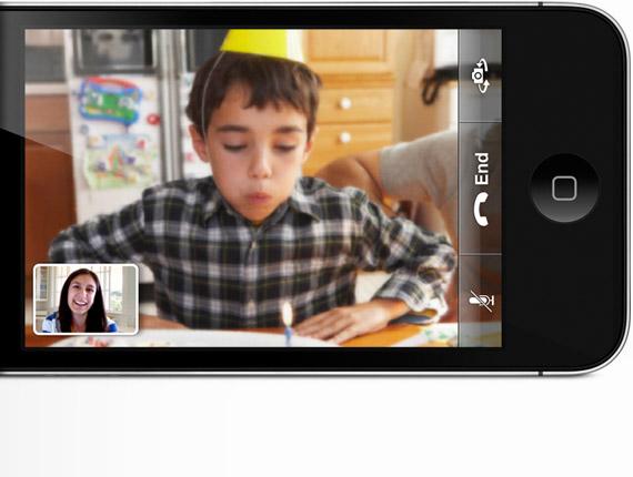 FaceTime no iPhone 4 - Garotinho comemorando aniversário