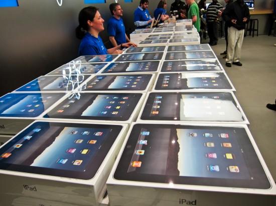 Muitos iPads - Robert Occhialini