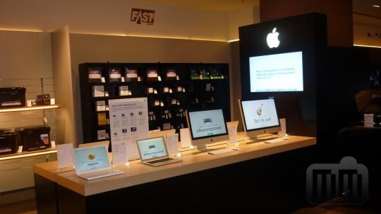 Apple shop na Fast Shop do Shopping Anália Franco, em São Paulo (SP)