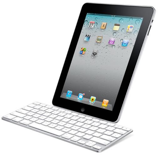 iPad em dock com teclado