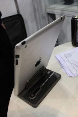 Case para iPad 2 na CES 2011